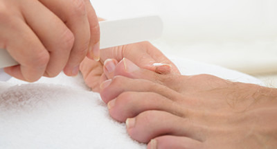 skin-smoothing-pedicure-for-mens